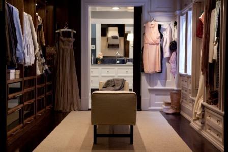 SATC2-Apartment-Closet