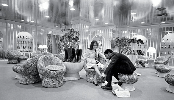 BG Shoe Salon 1969